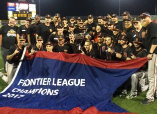 Boomers Homer to Third Frontier League Title