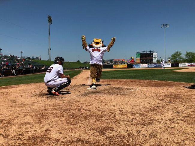 River City Homers Past Boomers