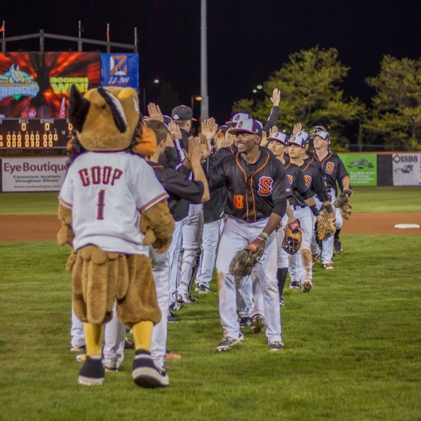 Boomers Squeak Out Win in Series Opener Against Normal