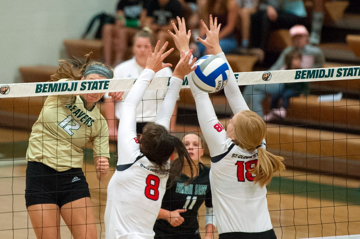 BSU Volleyball falls twice on second day of Huskies Classic