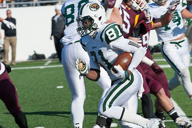 Beavers earn NSIC North title share with 41-24 win at Wolves