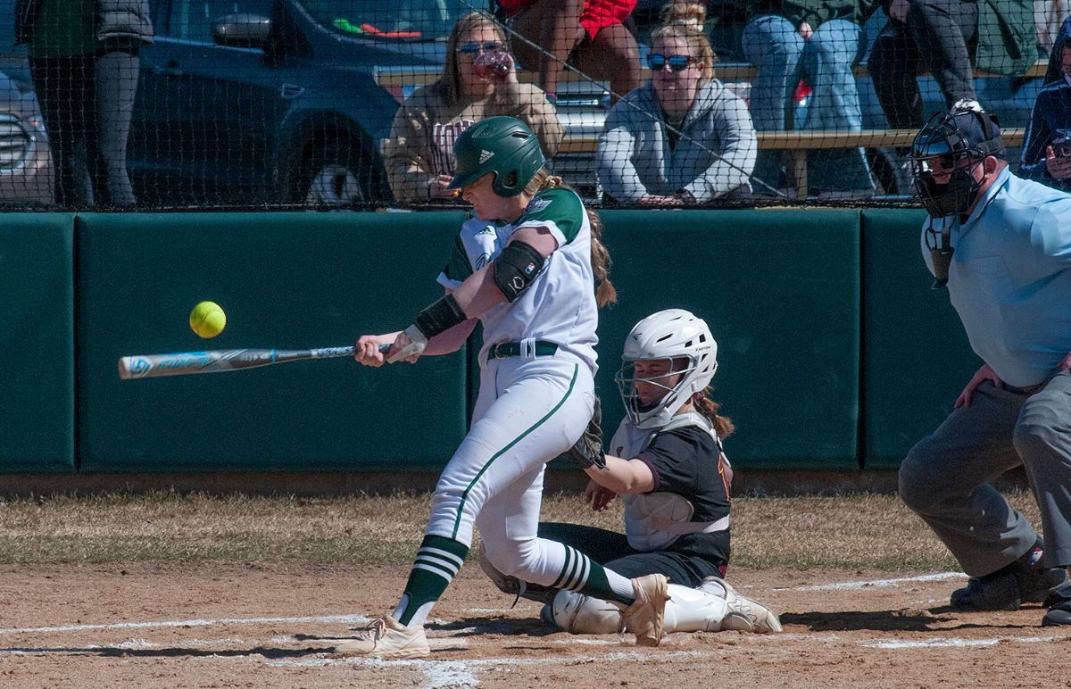 Beavers earn sweep over Cougars in walk-off fashion