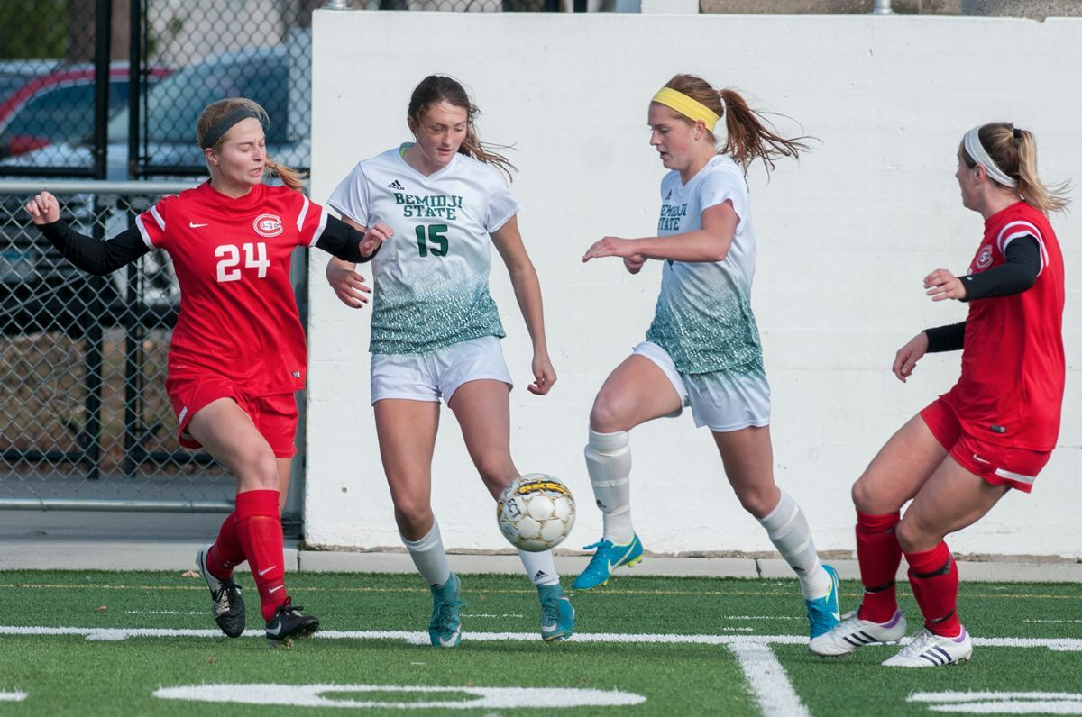 BSU completes unbeaten regular season with 4-1 win over St. Cloud State