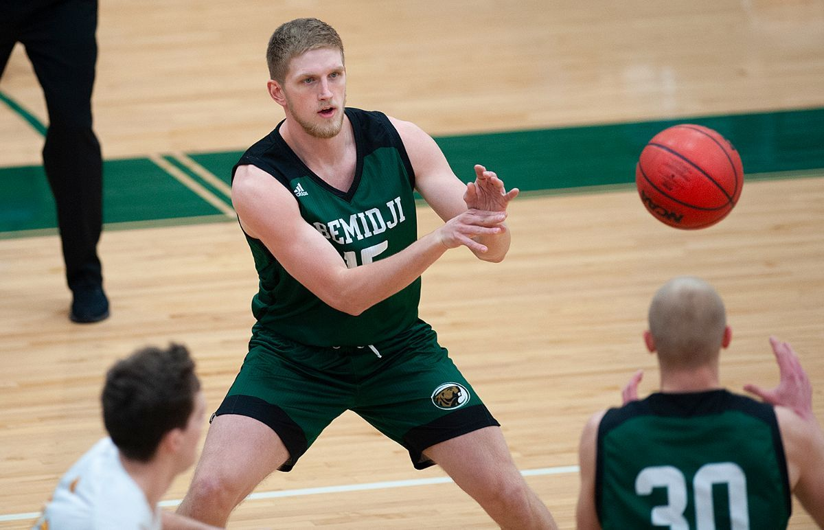 Post-play propels Beavers to 95-77 win over Golden Eagles