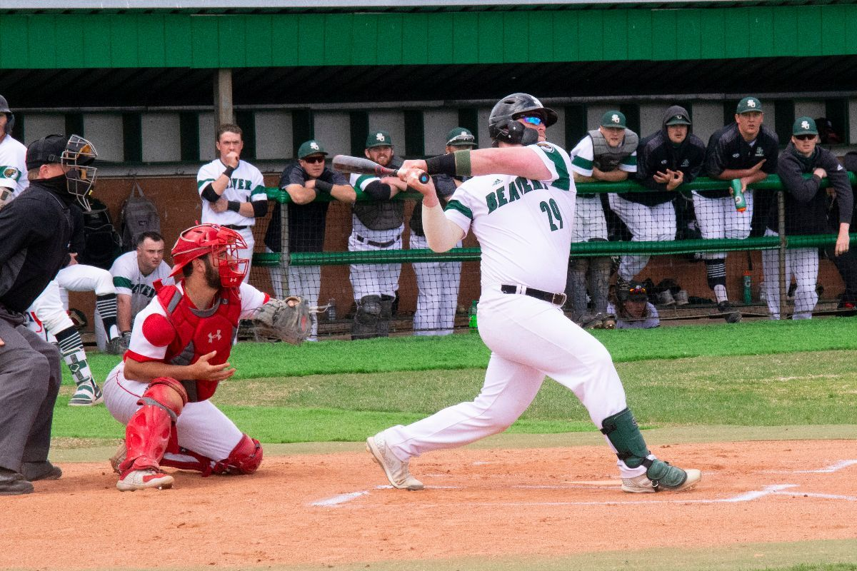 Minot State sneaks out sweep over Bemidji State baseball, 8-6 and 4-3