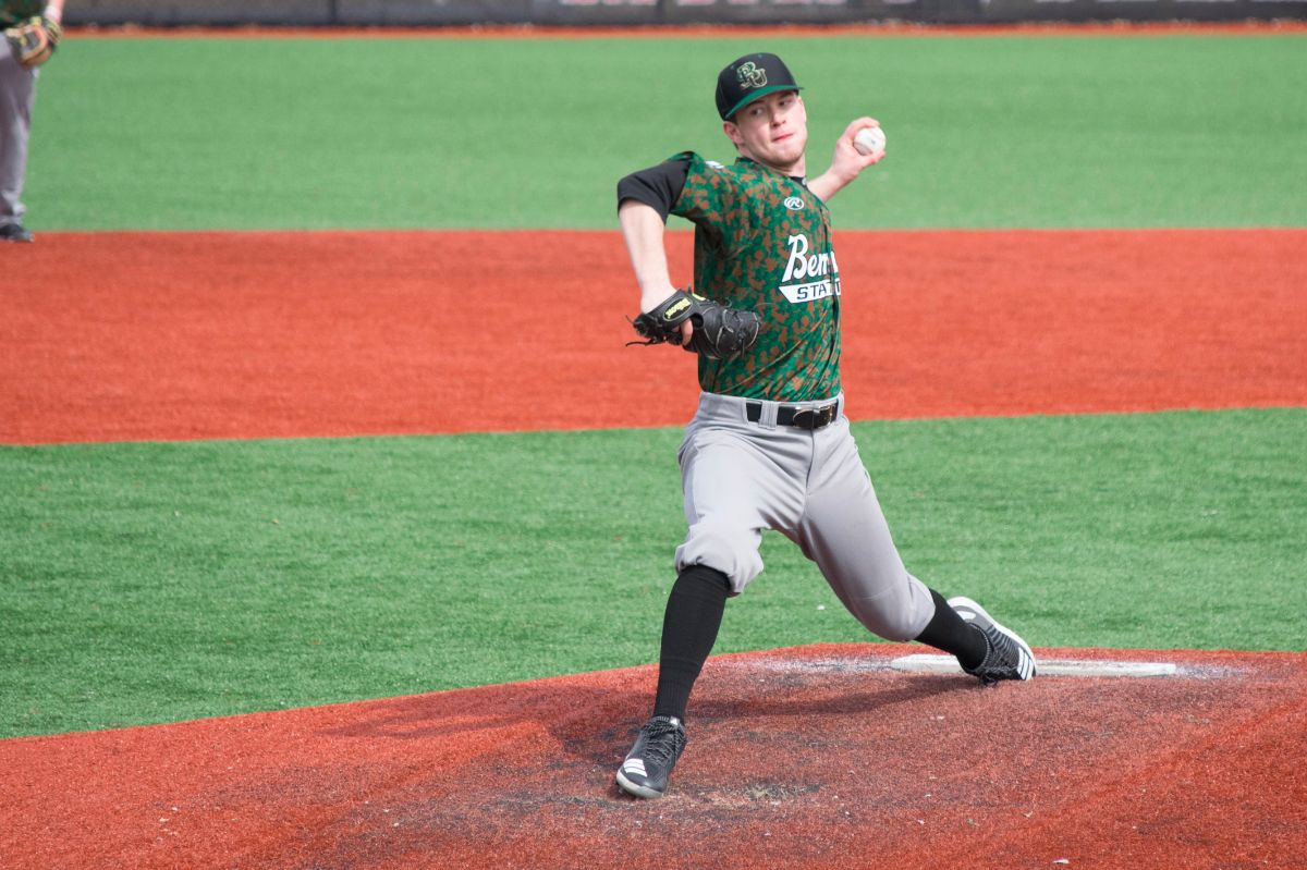 Hawks sweep Beavers on final day of road series, 6-0 and 2-0