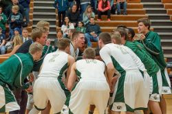 15MBB_Minot_0008_teamhuddle