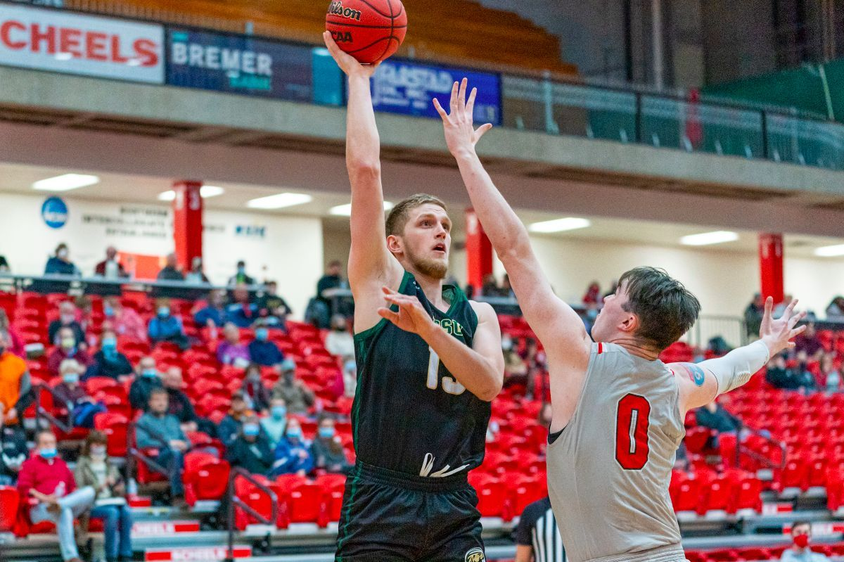 Efficient BSU offense falls short in 91-82 loss at Minot State