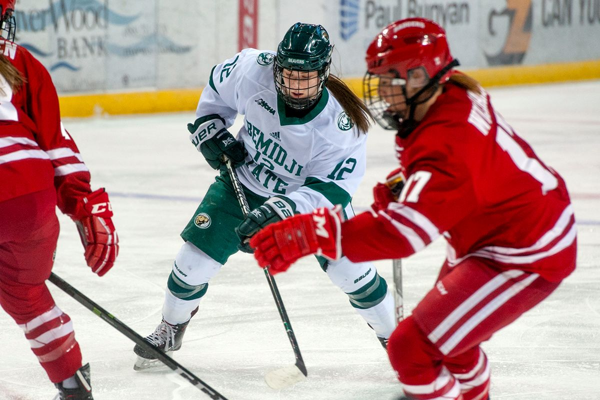 Women's Hockey faces tough test in No. 1 Wisconsin