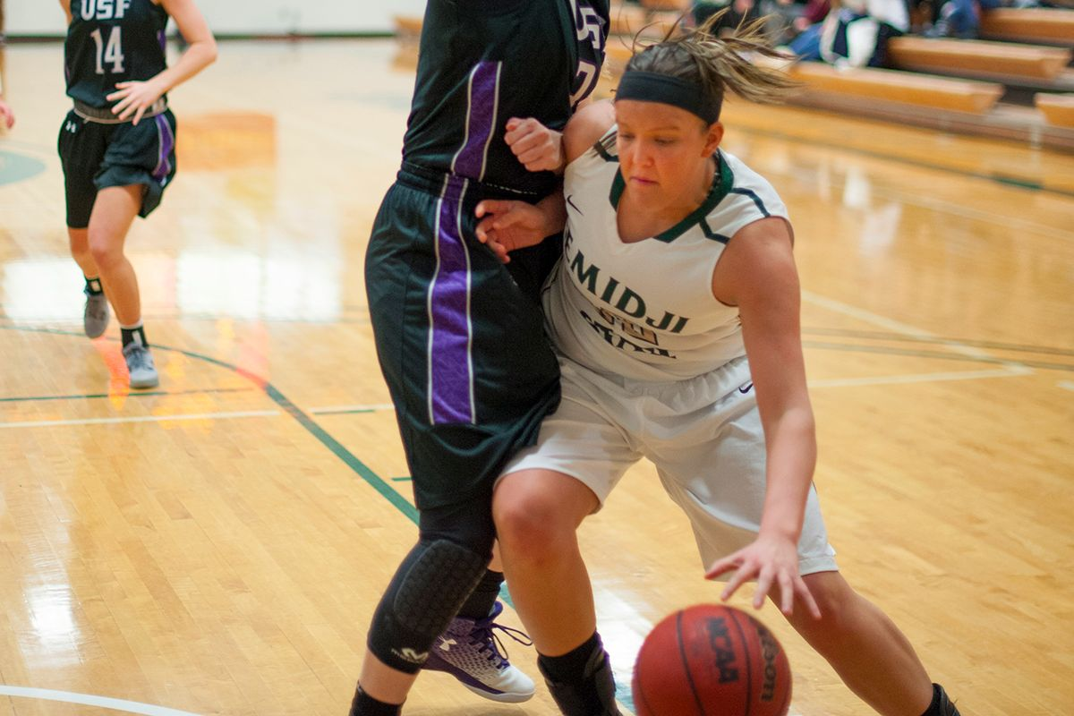 Post play, ball movement helps Beavers to 82-66 win over Mustangs