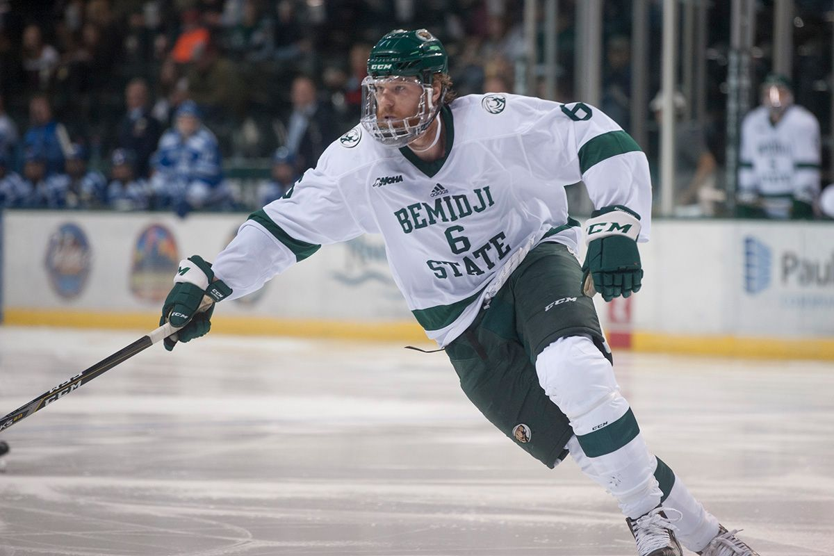 Men's Hockey Dickman scores twice in a 4-1 victory at Ferris State