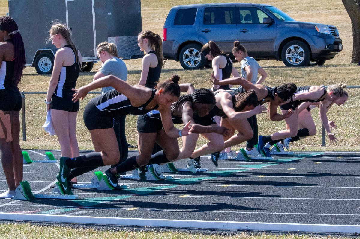 Track & Field takes four wins at Ron Masanz Classic on Saturday