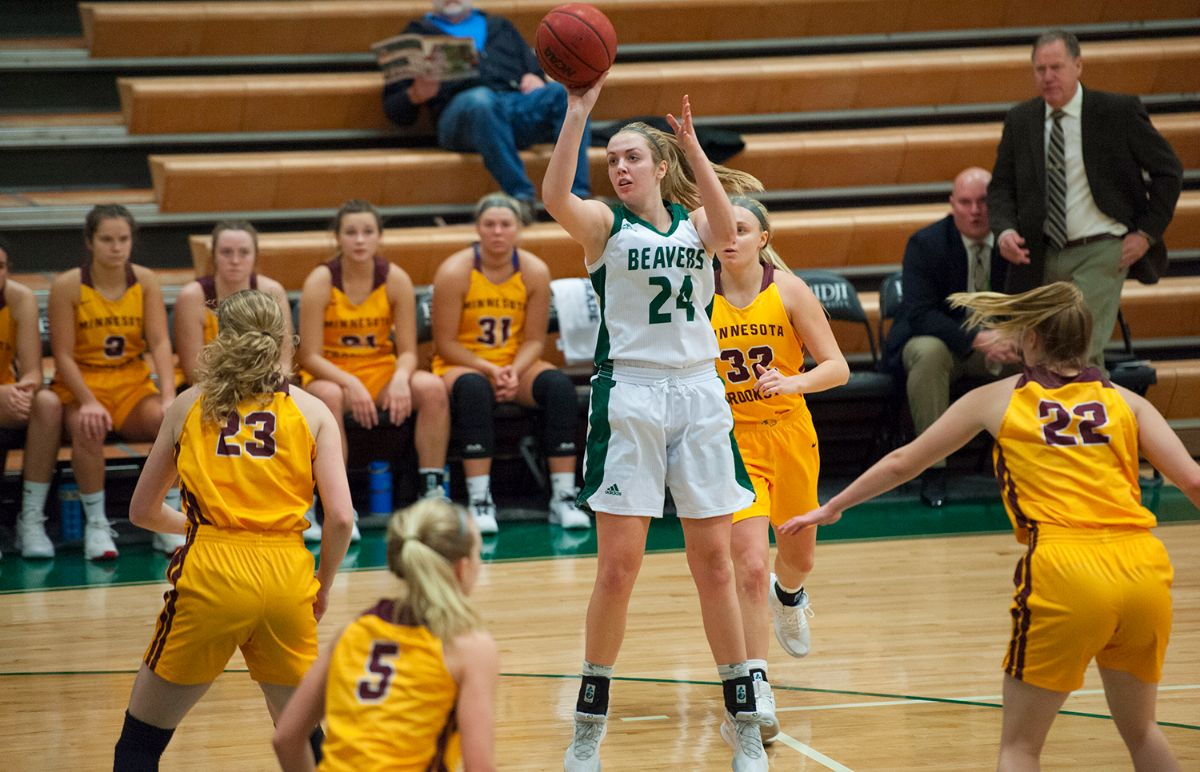 Wolhowe's hot shooting comes in Women's Basketball loss at Minnesota State