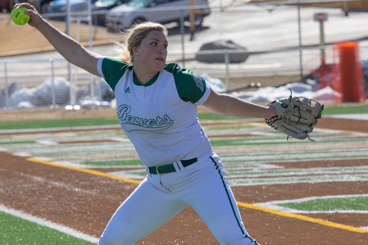 Pitching staff leads Beavers to sweep over Quincy