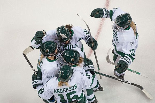 Beavers continue to move up in USCHO.com poll