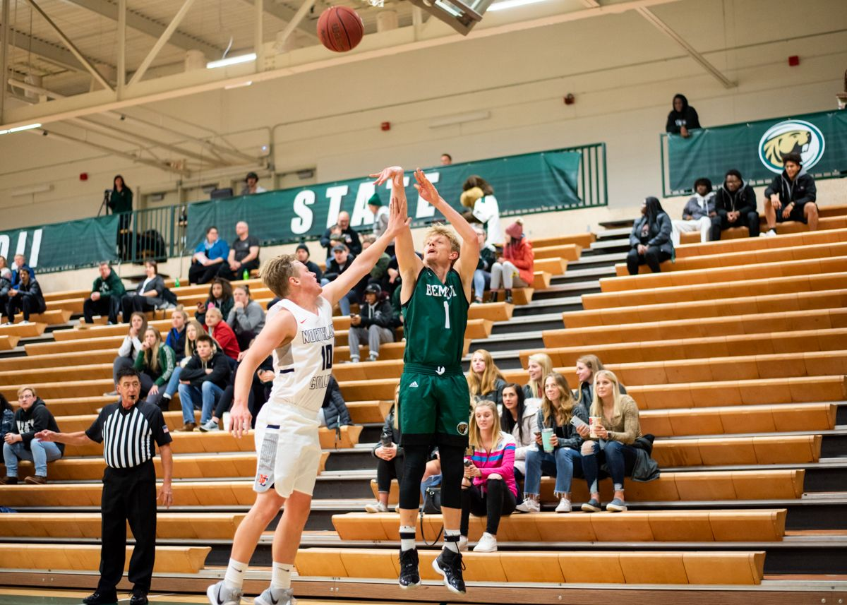 Men's Basketball breaks single-game scoring record in 127-60 win over Martin Luther