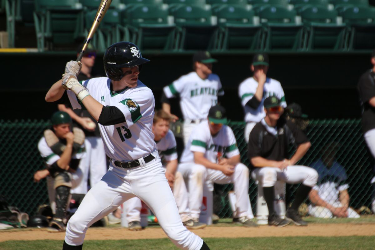 Baseball falls to Sioux Falls, 6-5, after game-tying comeback
