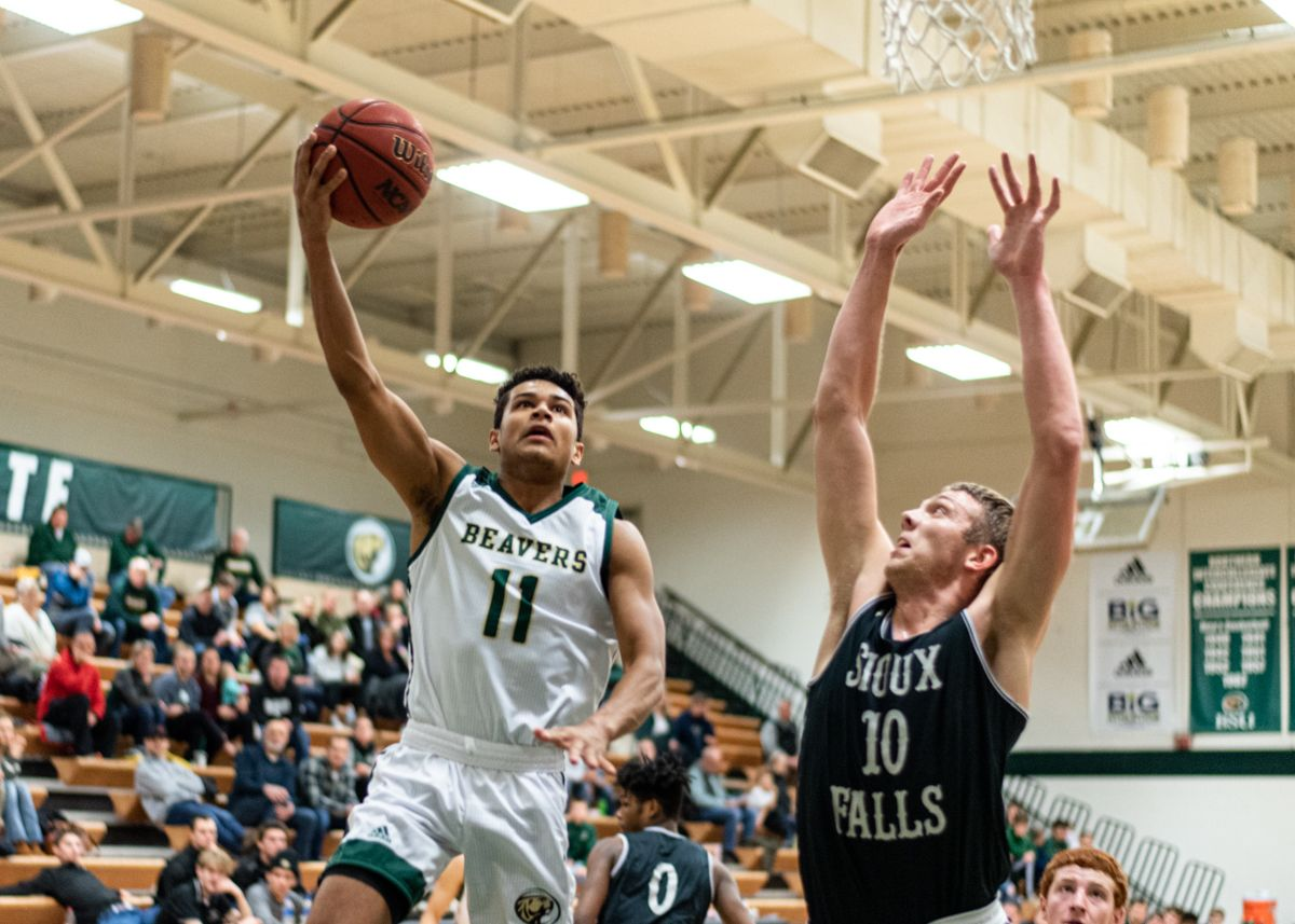 Cougars pull away in second half of Beavers loss Friday night