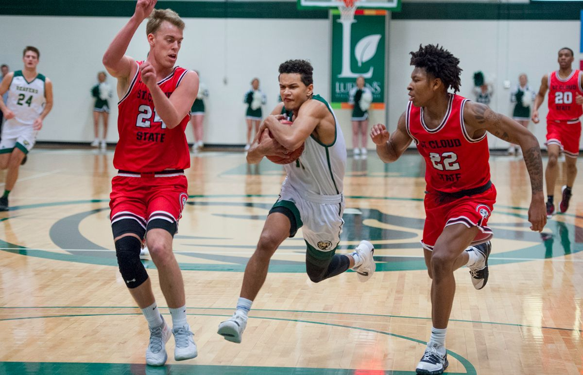 20-point performances lead to Men's Basketball dominance over St. Cloud State