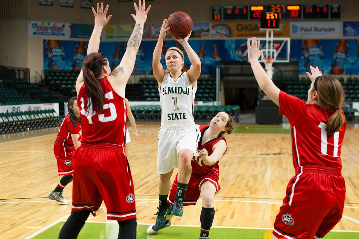 Beavers close five-game home stand versus Cougars, Mustangs