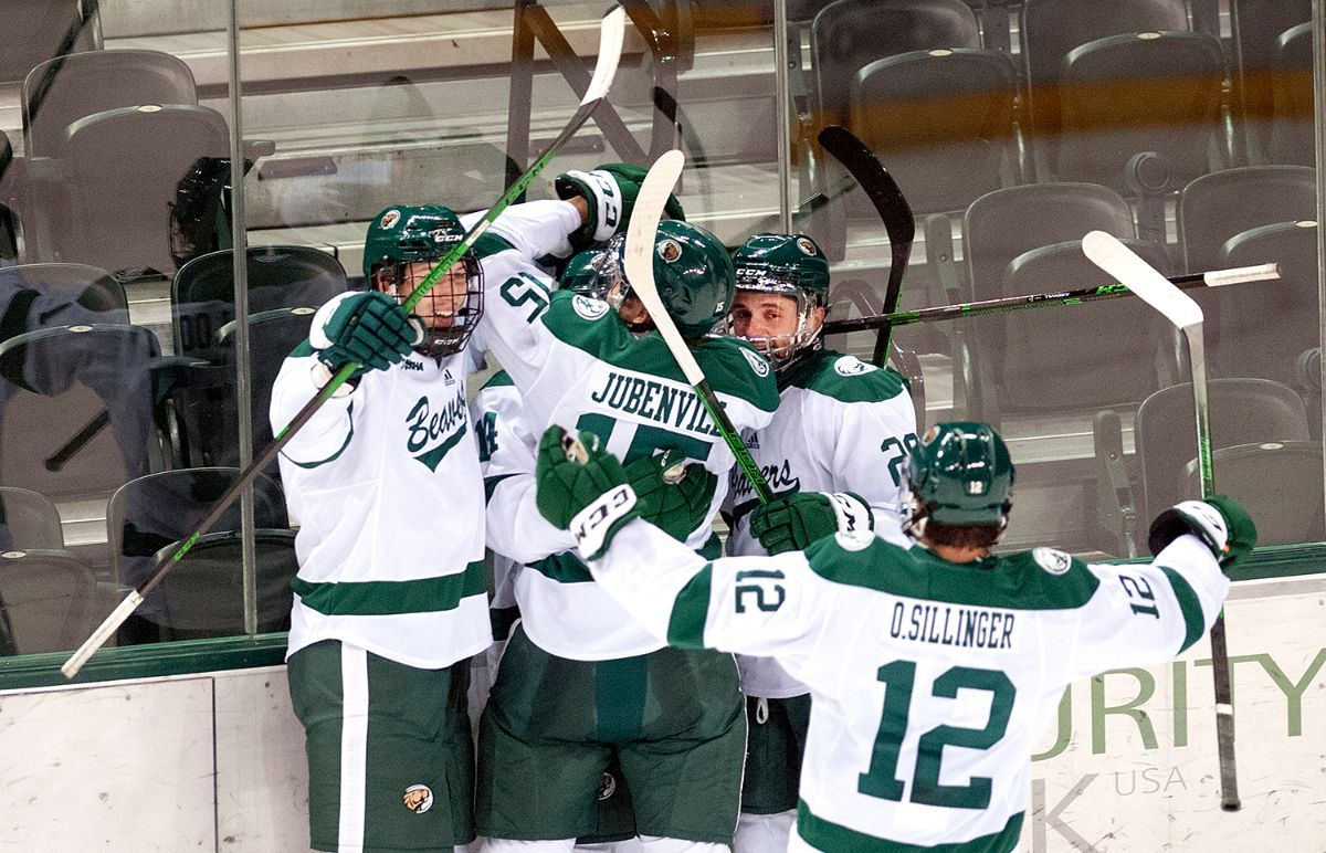 Second period flurry pushes Beavers past Huskies, 6-3