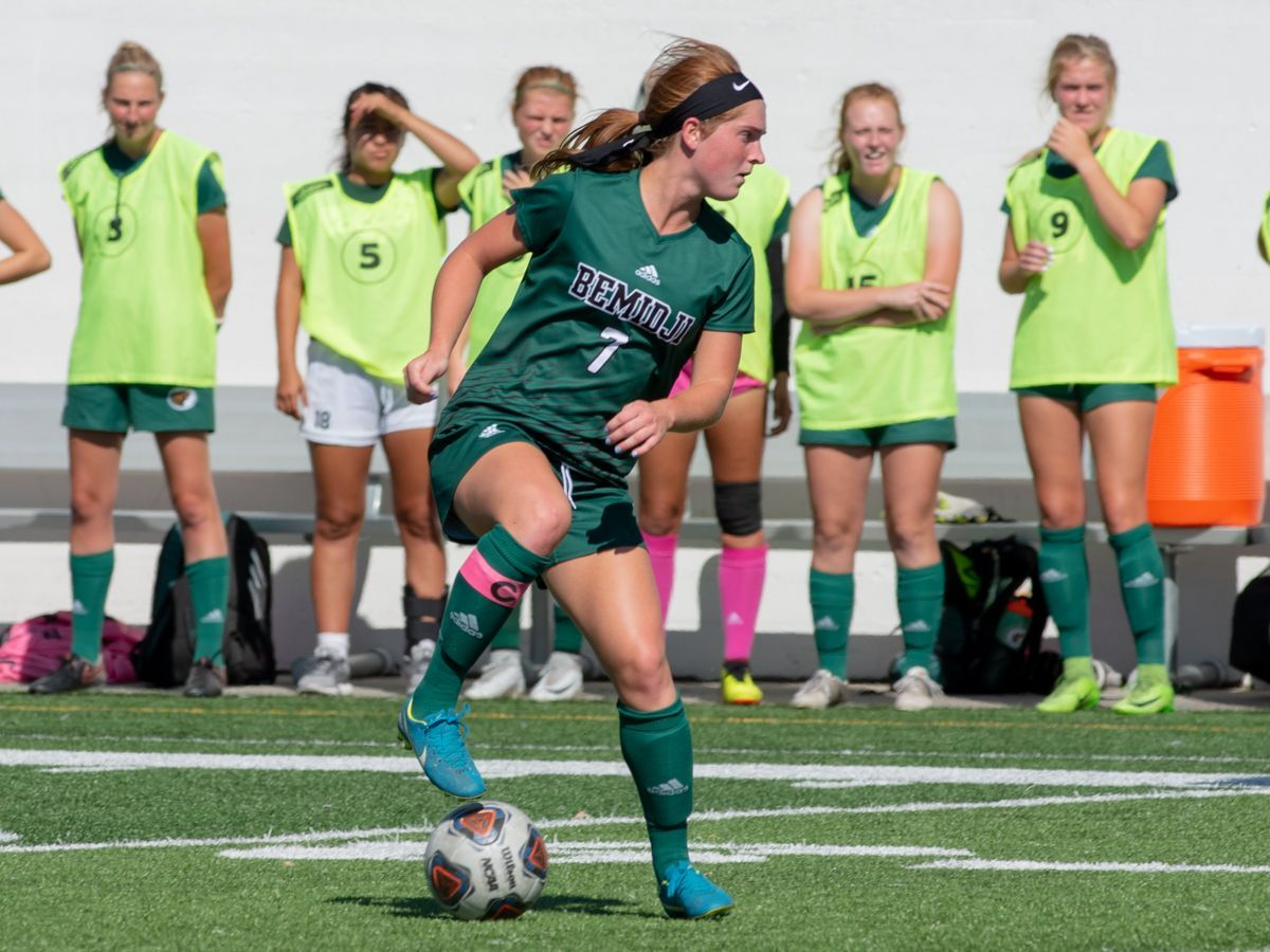 Norton tops 100 career points in 4-0 victory over Southwest Minnesota State