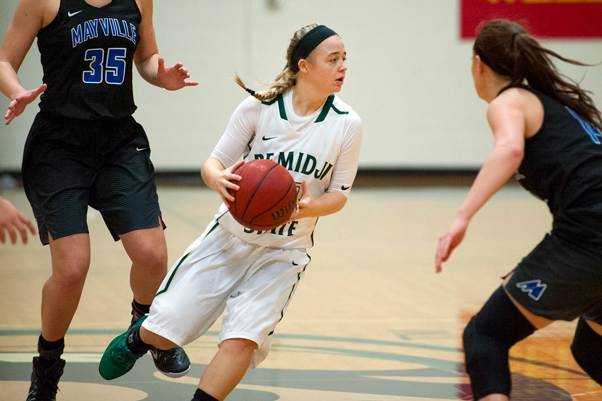 Women's Hoops trio scores 15 points each in 72-56 win over Northland College