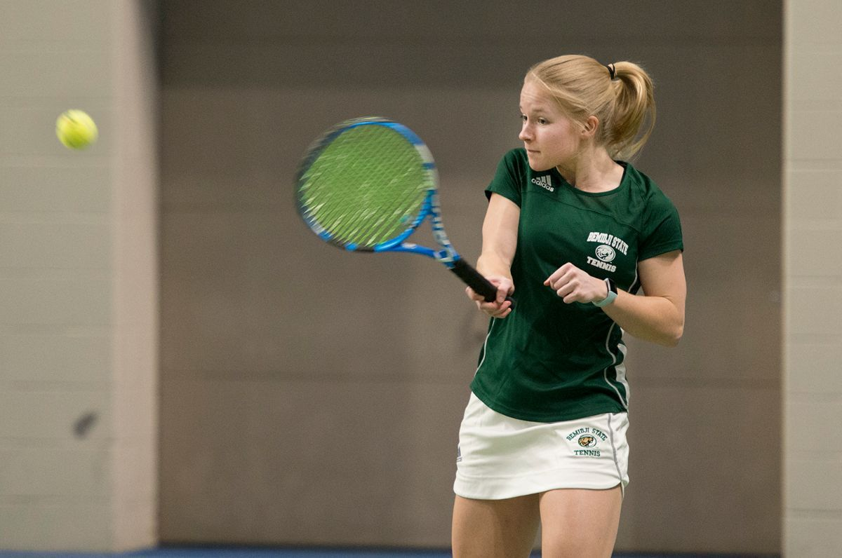 BSU tennis team opens weekend with 5-2 victory over Upper Iowa