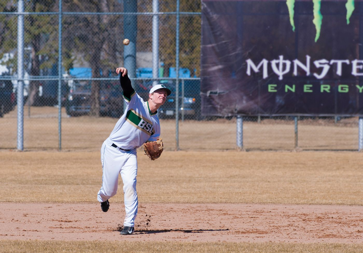 Stars shoot down Beavers with rally in eighth inning
