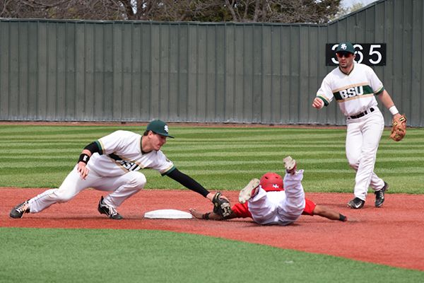 Rangers outpace Beavers in series finale, 14-9