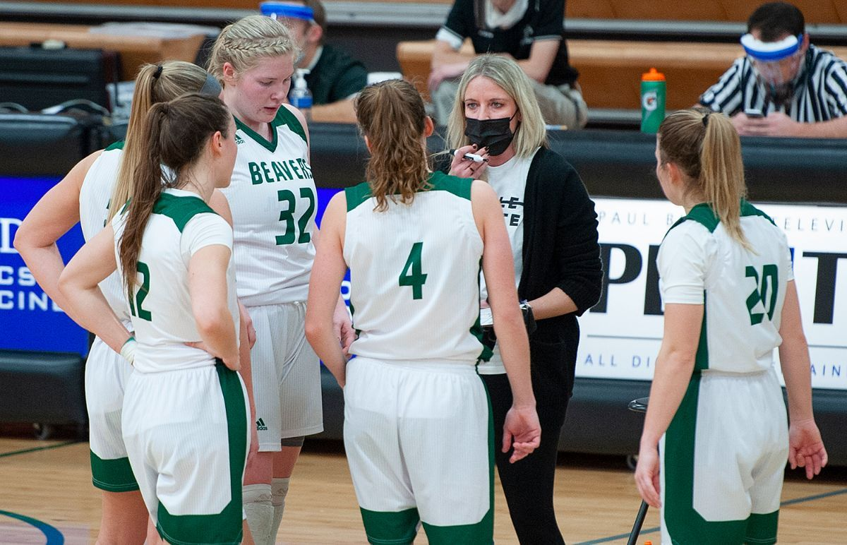 Women's Basketball to host junior and skills camps in June