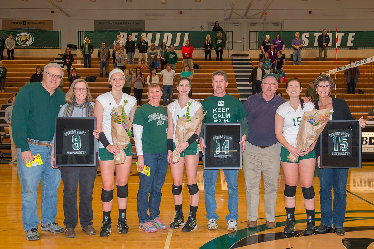 Beavers fall to No. 6 Warriors, 3-0, on senior night