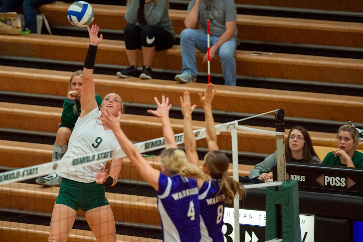 Bemidji State volleyball goes to five sets against Upper Iowa but fall 3-2