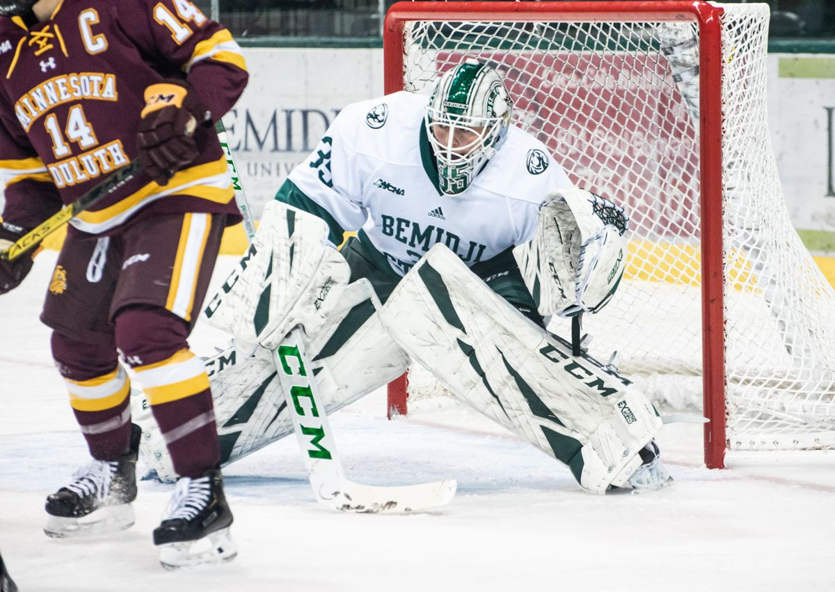 Bench posts 41 saves and Beebe scores late but Beavers fall 4-1 at No. 1 Badgers