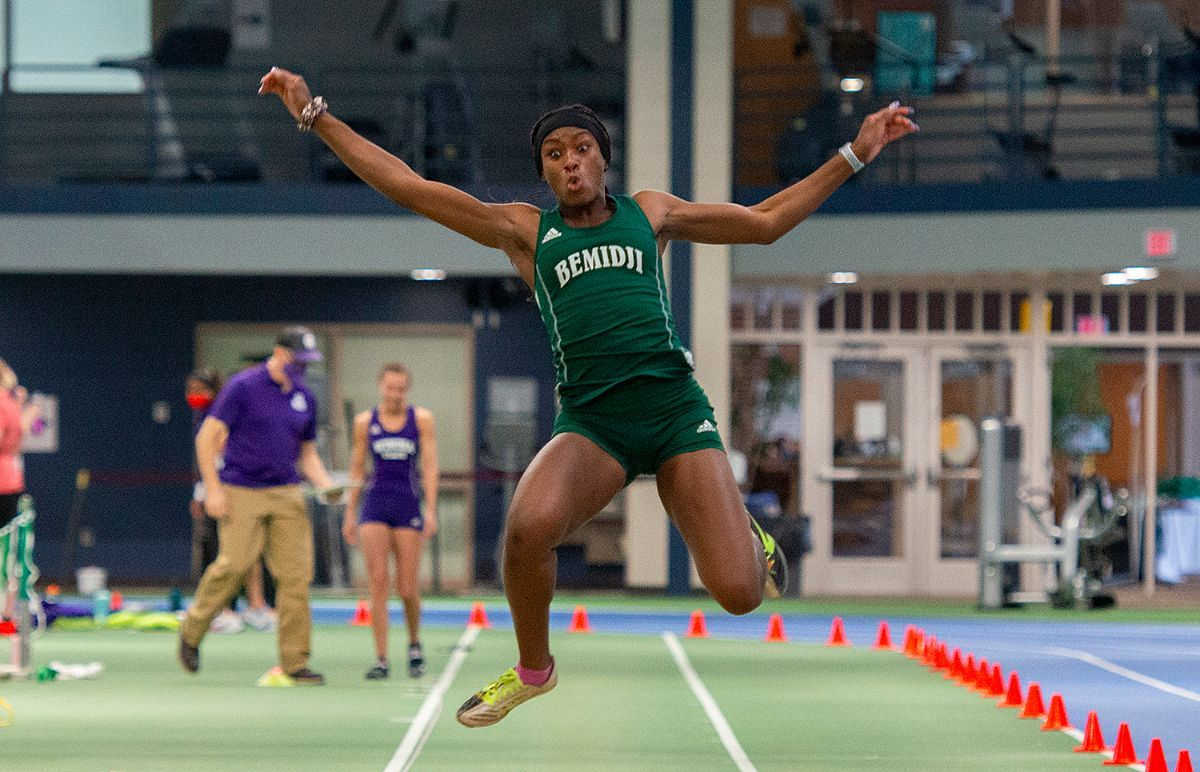 Newcomer Maryse Mbenoun paces Beavers in pentathlon at Bison Open