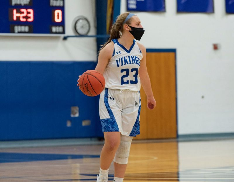 DeVille announces addition of guard Alayna Suprenand