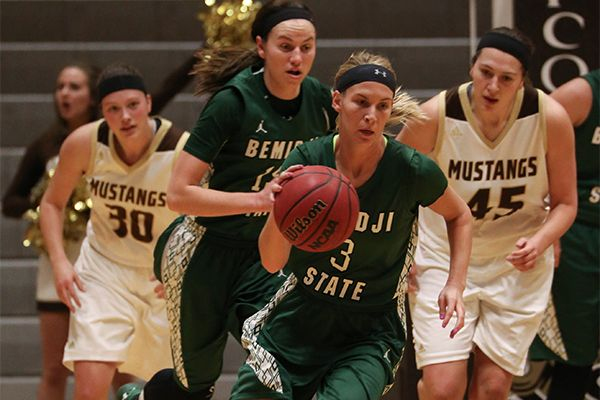 Turnovers cost Beavers in 73-52 loss to Mustangs