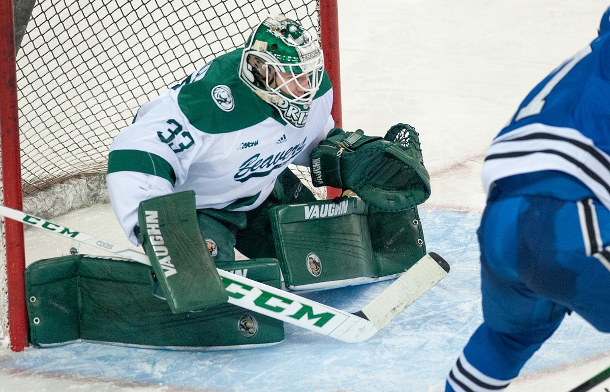 Driscoll, Beavers stymie Alabama-Huntsville to open a WCHA series, 2-0