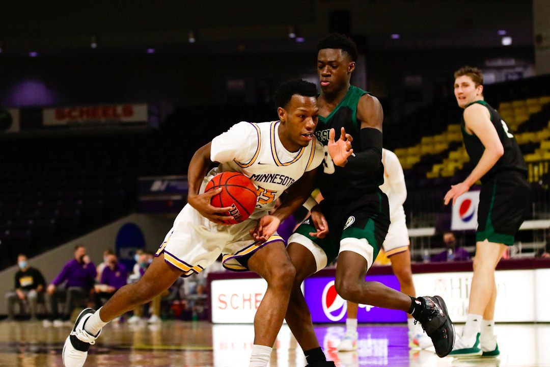 Thompson's career-high 33 points gives BSU 74-59 win over MSU