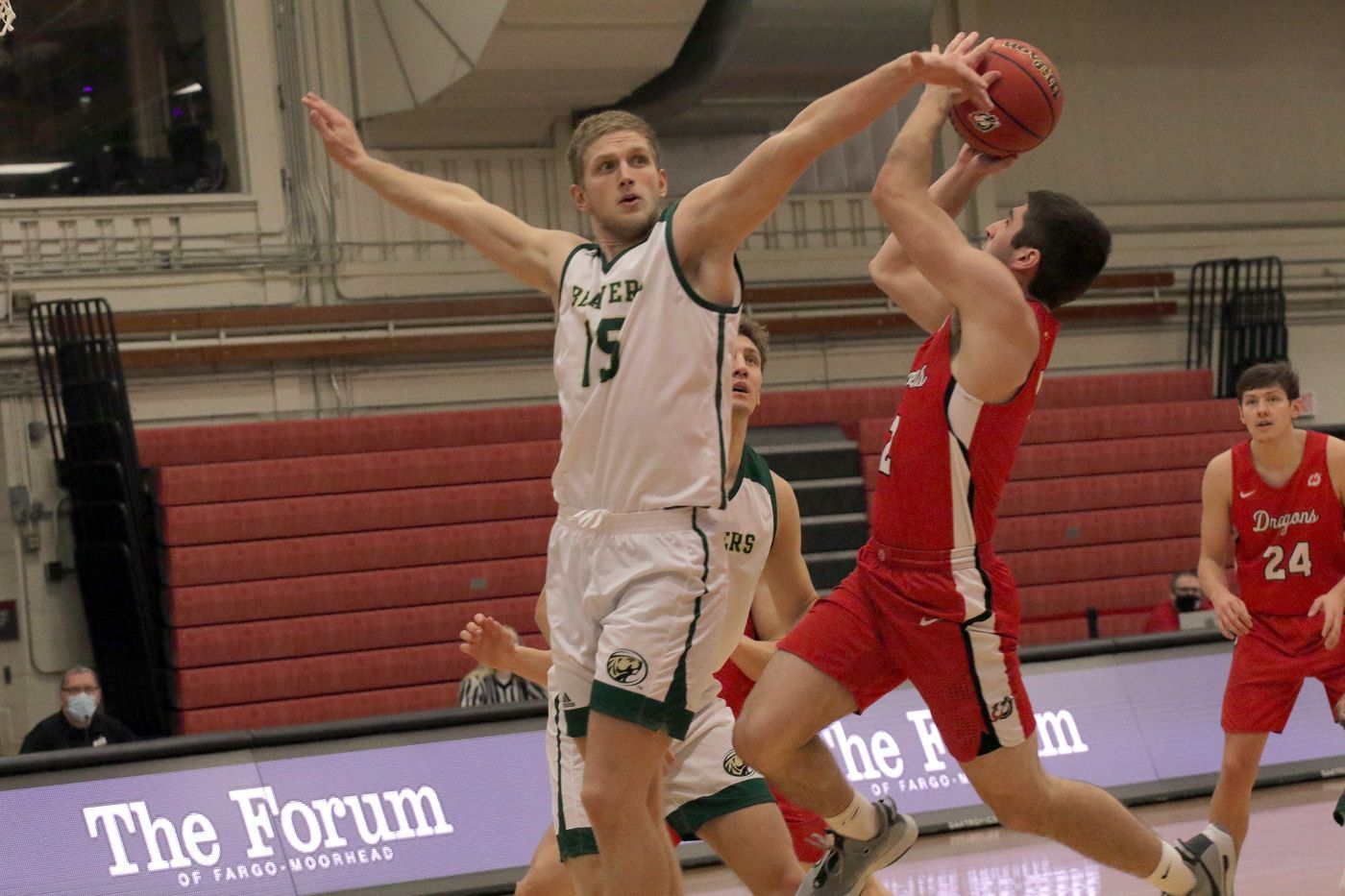 Three-point barrage sends Beavers down with 83-61 loss to Dragons