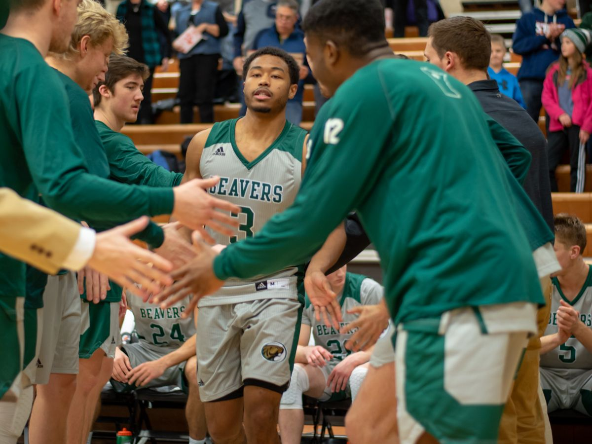Men's Basketball travels to North Dakota for weekend series