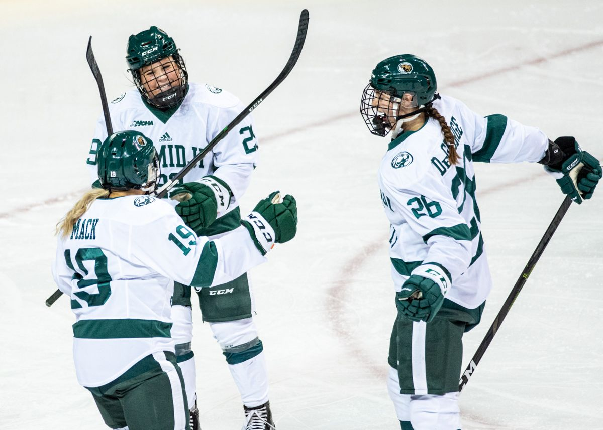 Women's Hockey heads east for non-conference bout versus RPI