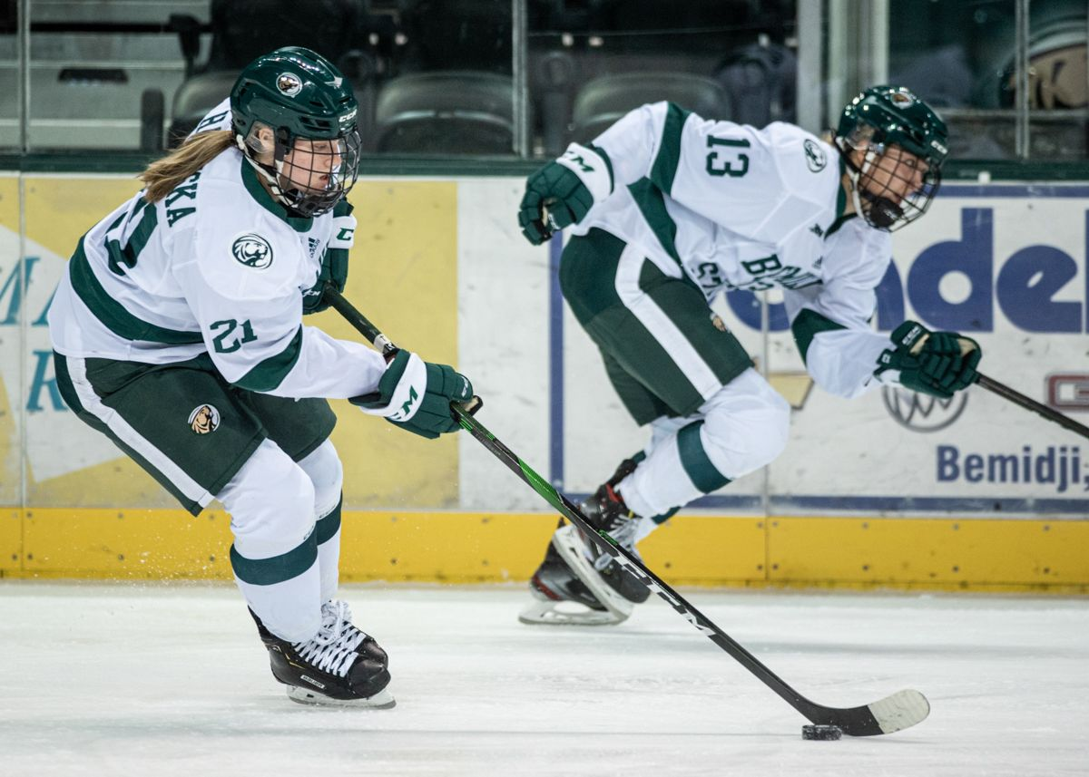 Women's Hockey falls to No. 8 Ohio State 3-1 in series finale