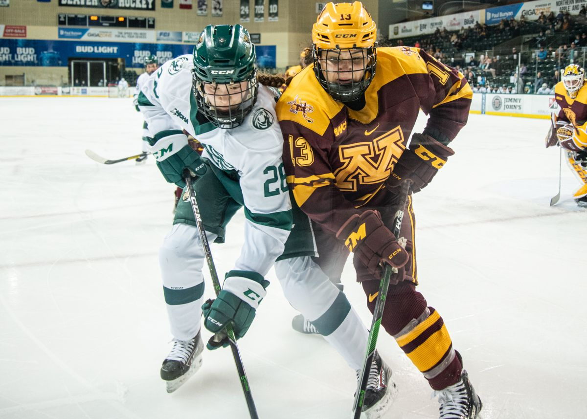 No. 4/3 Gophers score three in the third period to outlast Beavers
