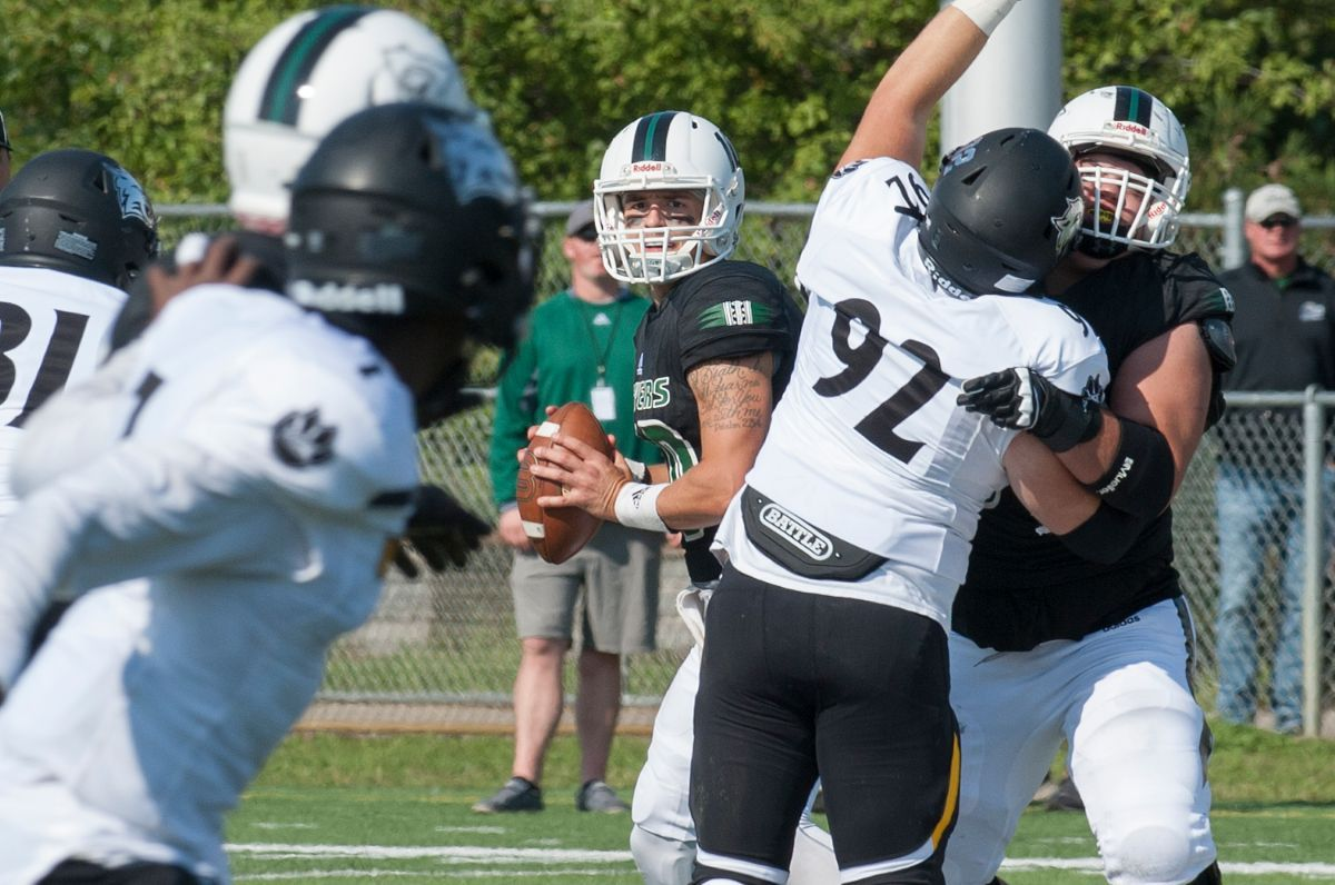 Alt throws for 449 yards, Peters catches three touchdowns as BSU beats WSC