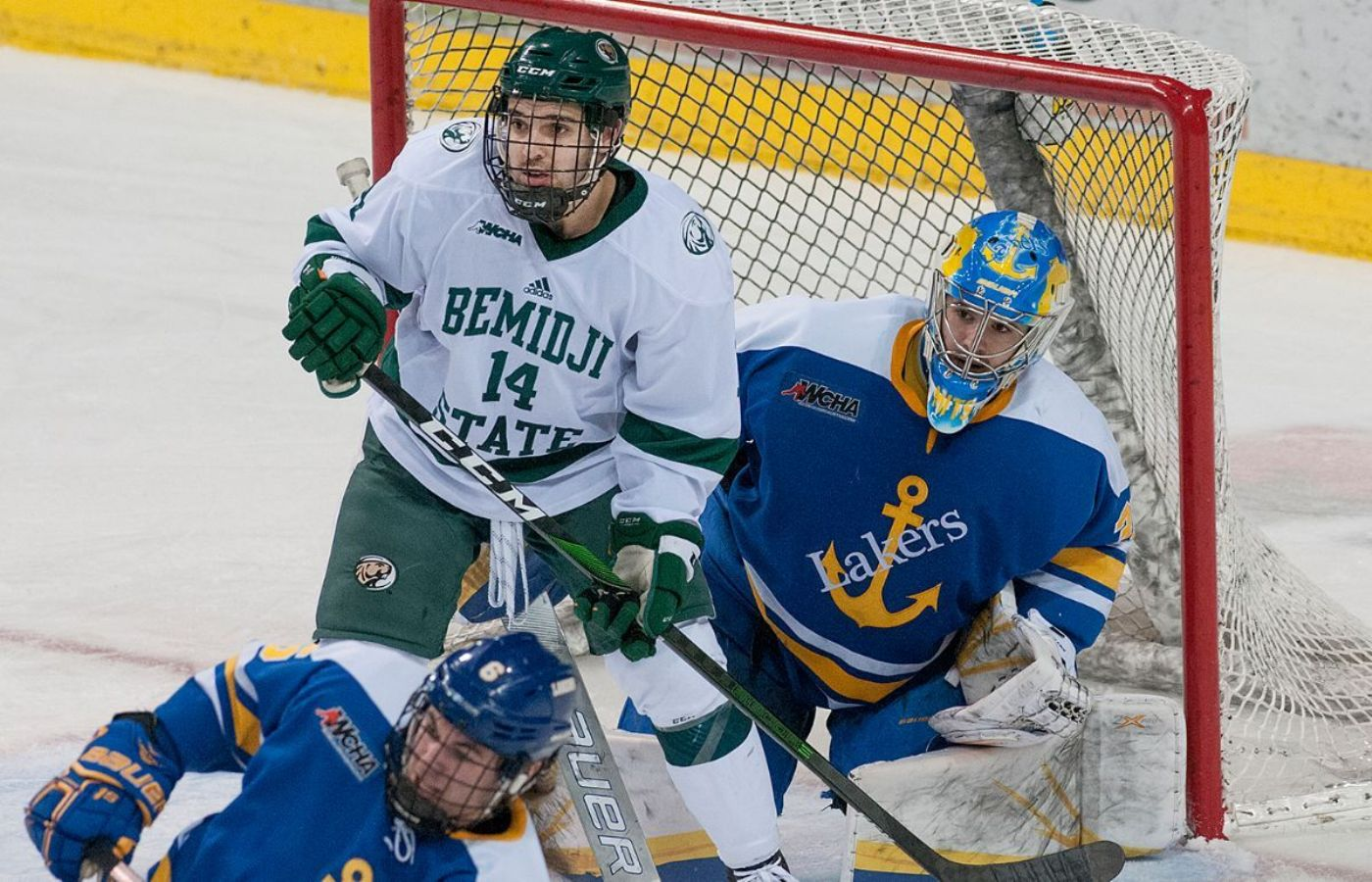 Lakers battle back to secure 2-2 tie