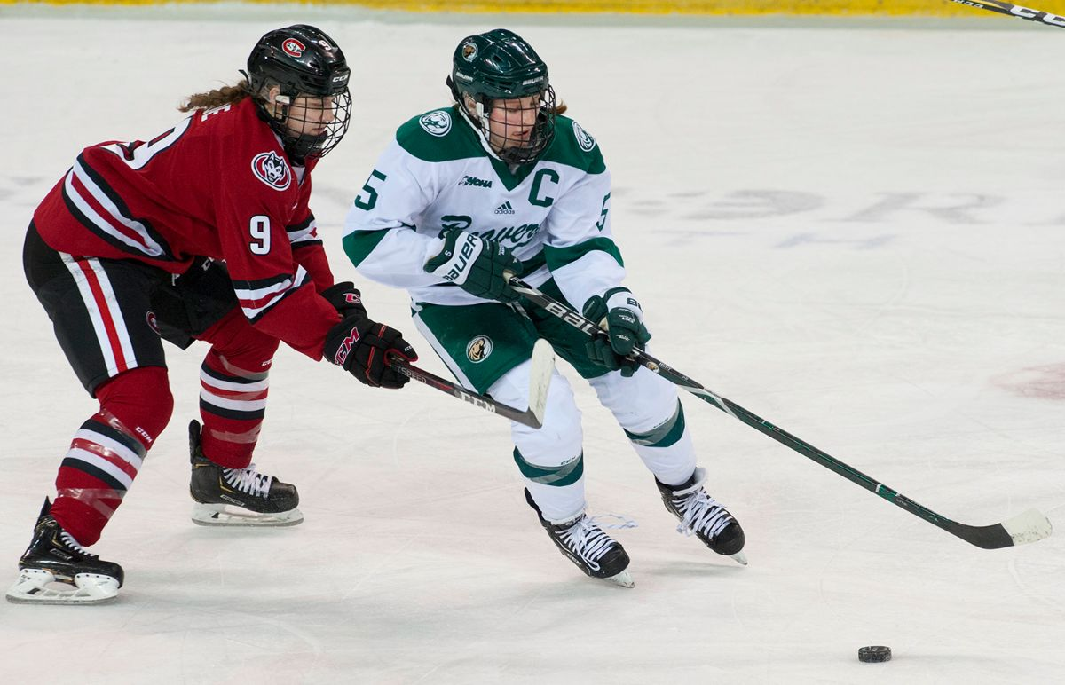Women's Hockey prepares for final road trip at St. Cloud State