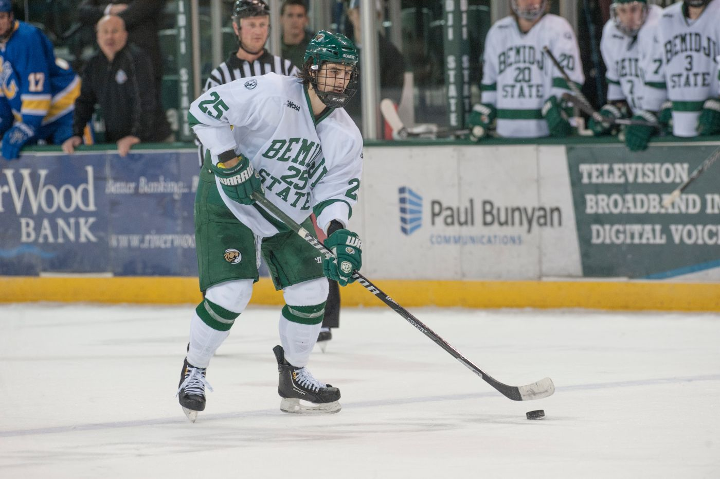 Pedan inks KHL contract