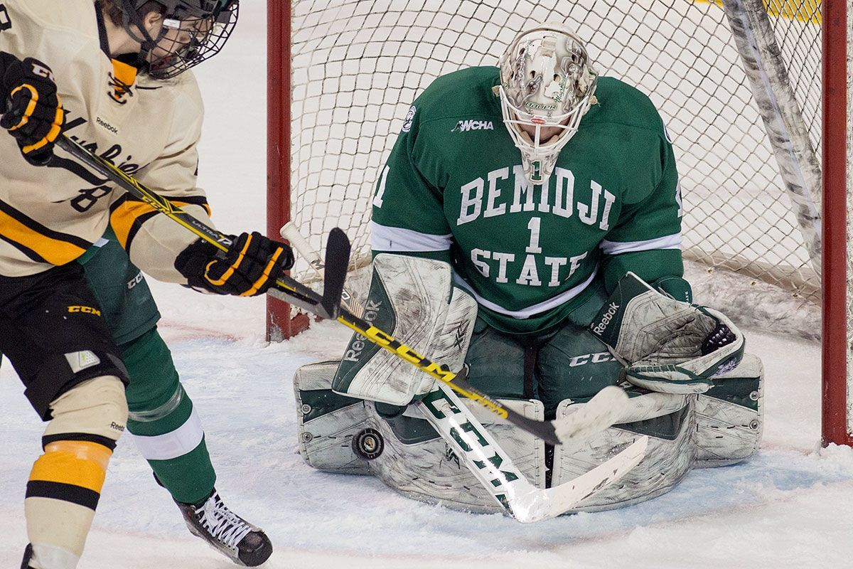 Bemidji State remains unbeaten in WCHA play with 3-1 victory at Michigan Tech