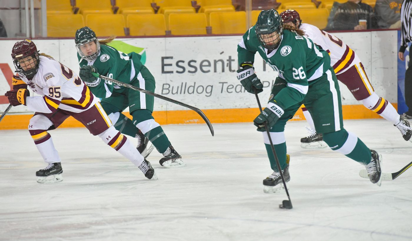 Beavers overcome two-goal deficit to down Minnesota Duluth